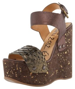 Lanvin Chloe Fendi Rochas Valentino Bronze Brown Wedges