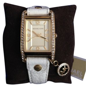 Michael Kors Michael Kors -Quartz White Leather w/Gold Dial Women's Watch -MK2213
