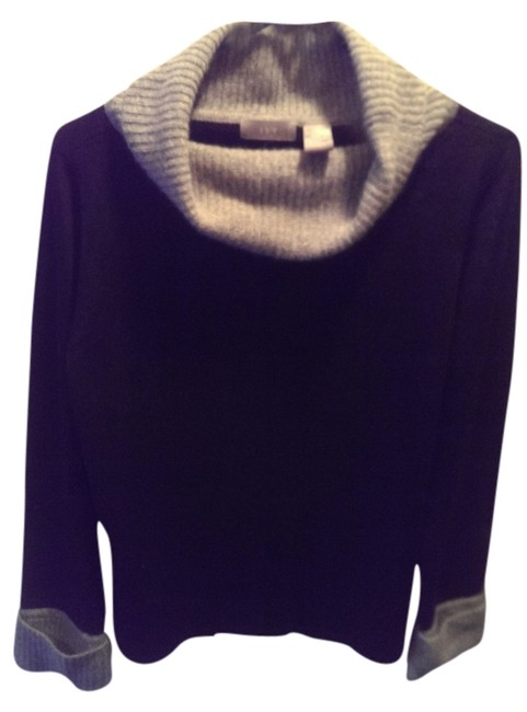 Preload https://item1.tradesy.com/images/ivy-and-aster-grey-and-black-wool-rabbit-hair-sweaterpullover-size-12-l-6113230-0-0.jpg?width=400&height=650