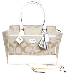 Coach New With Tags Signature Leather Fabric Silver Hardware Tote in Lt Khaki/Chalk