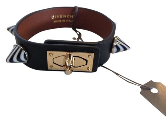 Givenchy GIVENCHY NWT BLACK LEATHER STUDDED SHARK TOOTH BRACELET