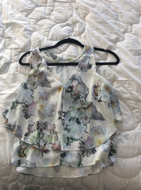 Other Top White with blue/gray flowers