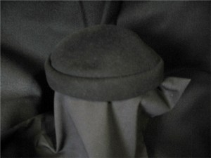 Felt Vintage Small Black Hat - Covers Crown