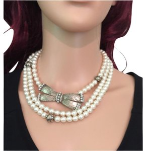Chanel CHANEL PEARL with BOW NECKLACE