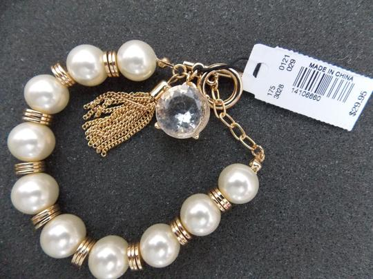 The Limited NWT The Limited Pearl Goldtone Toggle Closure Bracelet 7.5