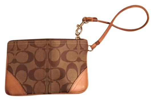 Coach Wristlet in Tan/beige