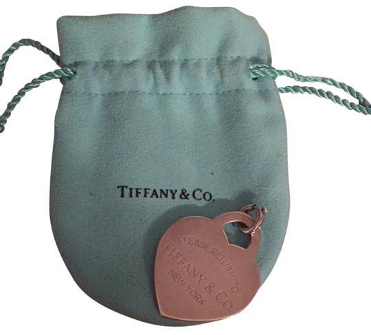Preload https://item4.tradesy.com/images/tiffany-and-co-silver-charm-6137263-0-0.jpg?width=440&height=440