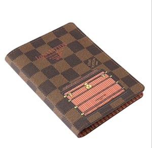 Louis Vuitton Mint Authentic Louis Vuitton Damier Ebene Trunk & Locks Illustre Passport Cover