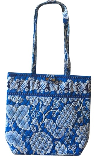 Preload https://item4.tradesy.com/images/other-tote-bag-6142498-0-0.jpg?width=440&height=440