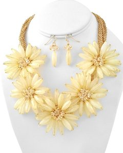 Chunky Ivory Flower Collar Statement Necklace Set