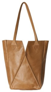 Raven + Lily Leather Tote in Taupe