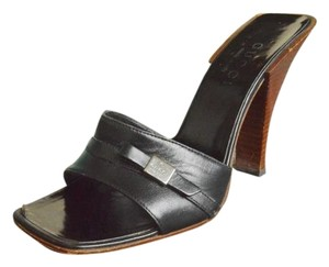 Gucci Leather Bow Size 36.5 Black Sandals