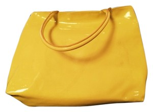 Tote in Yellow