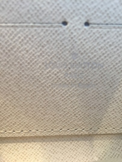 Louis Vuitton Louis Vuitton Zippy Wallet Epi Ivory # M6007J