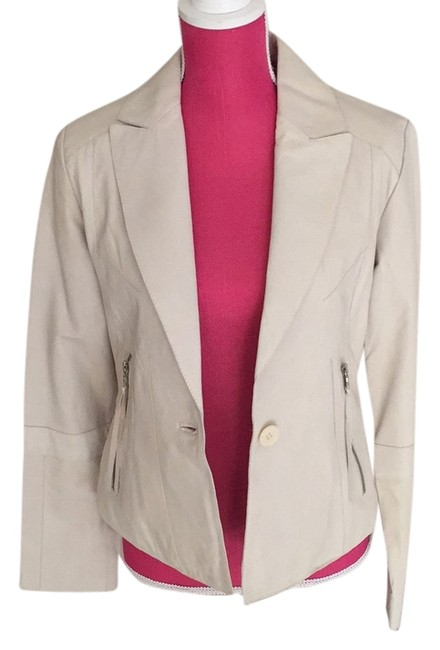 Preload https://item1.tradesy.com/images/andrew-marc-ivory-leather-jacket-size-8-m-6159580-0-0.jpg?width=400&height=650