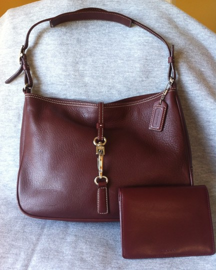 fdfdfa49fb Coach Hamptons Small Clip W/ Wallet 7751 Wine Leather Hobo Bag