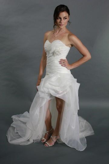 White Organza Sexy Sweetheart Split Bridal Gown High Low Ruffle Beach Style Feminine Wedding Dress Size 4 (S)