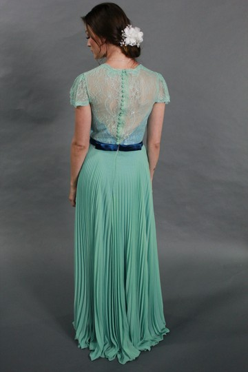 Green Lace Chiffon Elegant V-neck See Through Evening Feminine Bridesmaid/Mob Dress Size 4 (S)