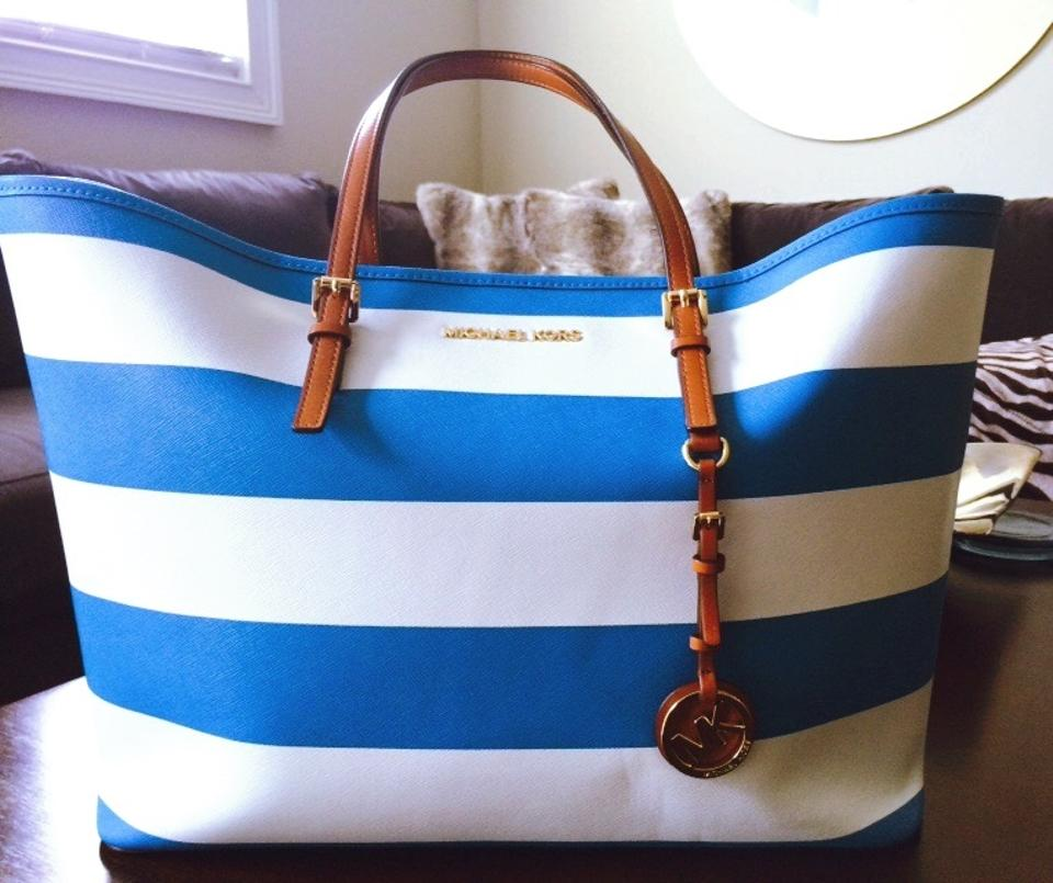 b510a9ab0658 Michael Kors Jet Set Tote in Striped Summer Blue and White Image 8.  123456789