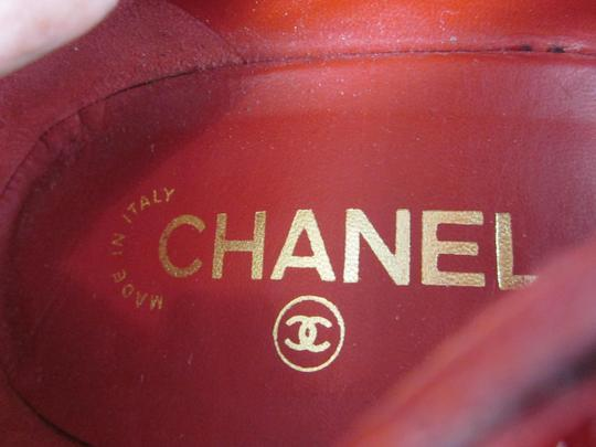 Chanel Red, Pumps