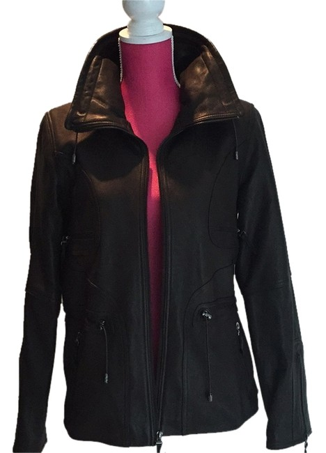 Preload https://item5.tradesy.com/images/leather-jacket-size-8-m-6171049-0-0.jpg?width=400&height=650