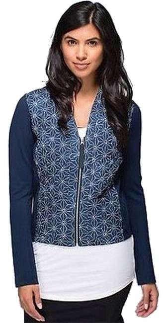 Preload https://item4.tradesy.com/images/lululemon-navy-blue-cardigan-and-again-jacket-activewear-size-8-m-29-30-6175603-0-0.jpg?width=400&height=650