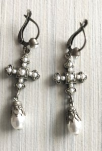 Other Pearl Cross Earrings