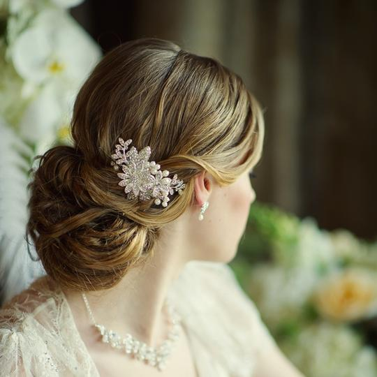 Silver/Ivory Pearl and Rhinestone Floral Comb Hair Accessory