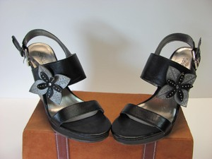 Sbicca Very Good Condition Size 7.50 Black, Silver Wedges