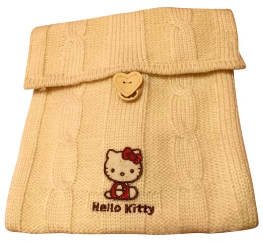 Preload https://item1.tradesy.com/images/sanrio-hello-kitty-sweater-cream-cable-knit-cross-body-bag-6179725-0-0.jpg?width=440&height=440