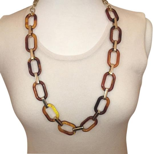 Preload https://item5.tradesy.com/images/brown-and-gold-necklace-6180214-0-0.jpg?width=440&height=440