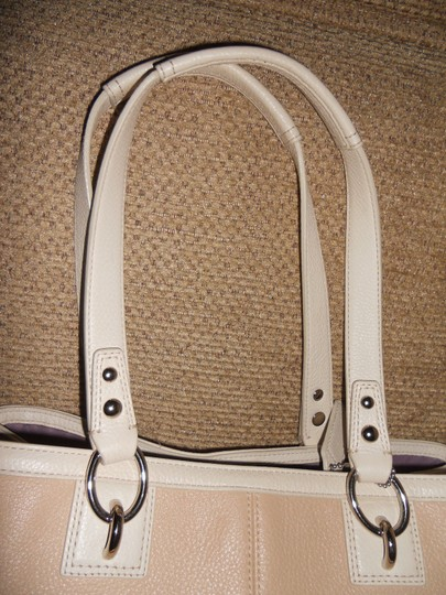 Coach Tote in Tan and Ivory