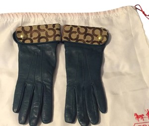 Coach Coach leather Gloves With Signature Optic C
