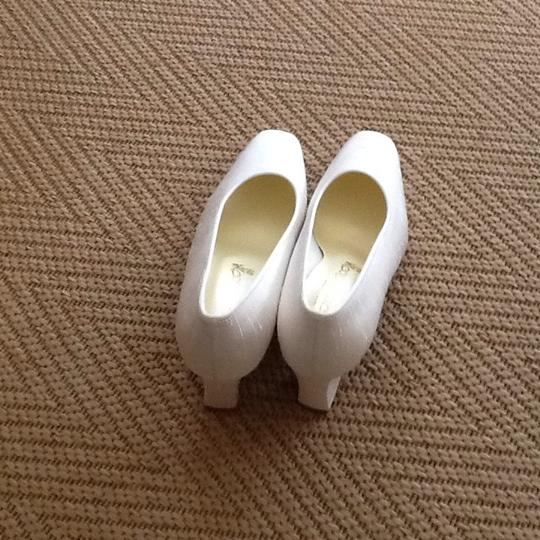 Coloriffics White Silk Pumps