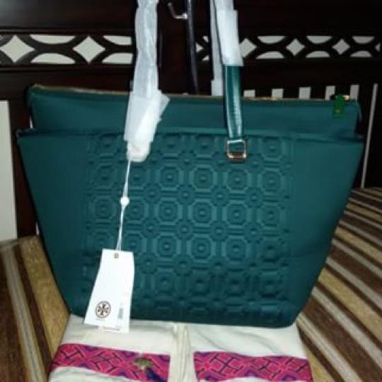 Tory Burch Tote in Green/Hidden forest