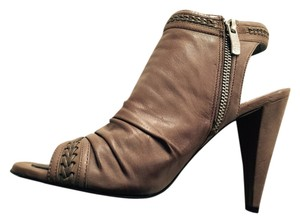 Vince Camuto Sleek Taupe Spring Summer Sandals Leather Classic Sophisticated Luxury Taupe/ Tan Boots