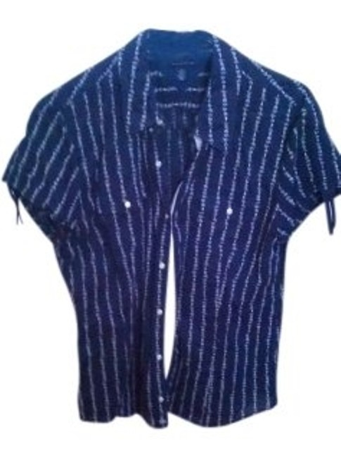 Preload https://item3.tradesy.com/images/tommy-hilfiger-blue-and-white-button-down-top-size-16-xl-plus-0x-6197-0-0.jpg?width=400&height=650