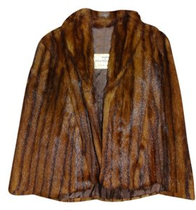 Morton's Washington DC Lovely Cape Style W/ Arm Slots Mink / Marmot Fur... Very Popular In The 40s Wear As An Open Front A Low