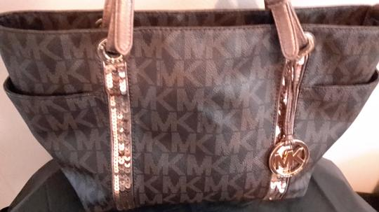 Michael Kors RESERVE FOR TJ Shoulder Bag