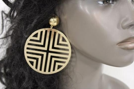 Other Women Gold Big Round Hoop Earring Geometric Cut Out