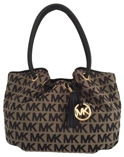 Preload https://item4.tradesy.com/images/michael-kors-ring-tote-medium-handbag-logo-trim-black-beige-black-jacquardleather-shoulder-bag-6203398-0-1.jpg?width=440&height=440