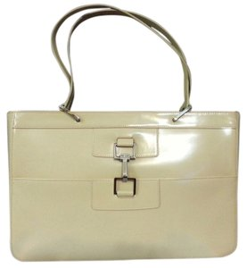 Gucci Patent Leather Tote in Cream