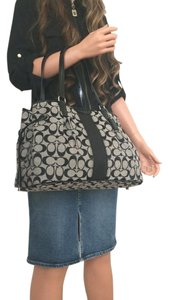 Coach Black Handbag Signature Tote in Black/Grey