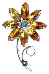 Vintage flower brooch