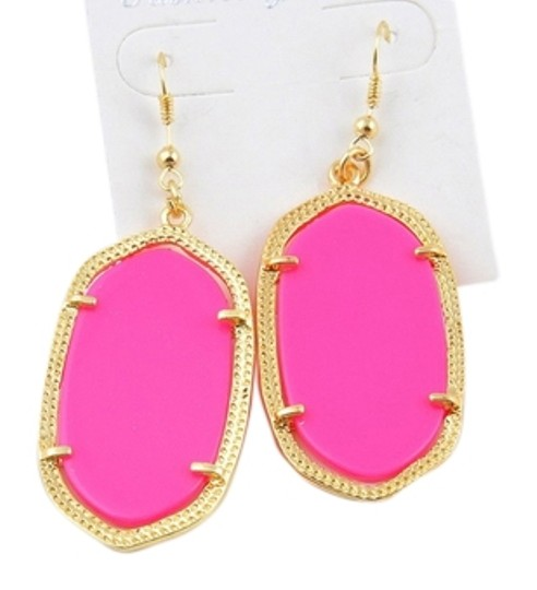 "Other ""Anona"" Statement Earrings in fuchsia"