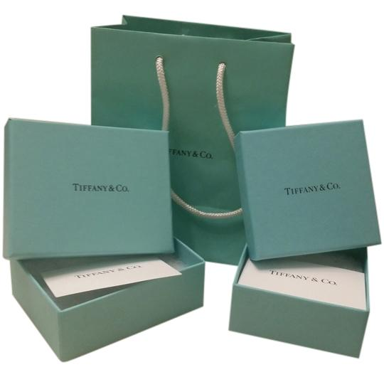Preload https://item3.tradesy.com/images/tiffany-and-co-blue-classic-bag-and-boxes-6209167-0-0.jpg?width=440&height=440