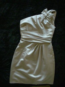 David's Bridal Champagne Satin One Shoulder Formal Bridesmaid/Mob Dress Size 2 (XS)
