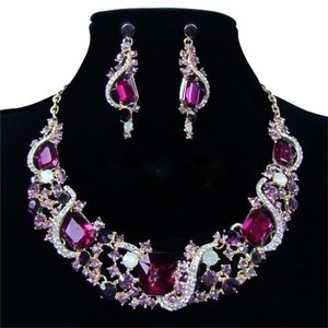 Brand New ~ Crystal Elements Necklace and Earrings Set