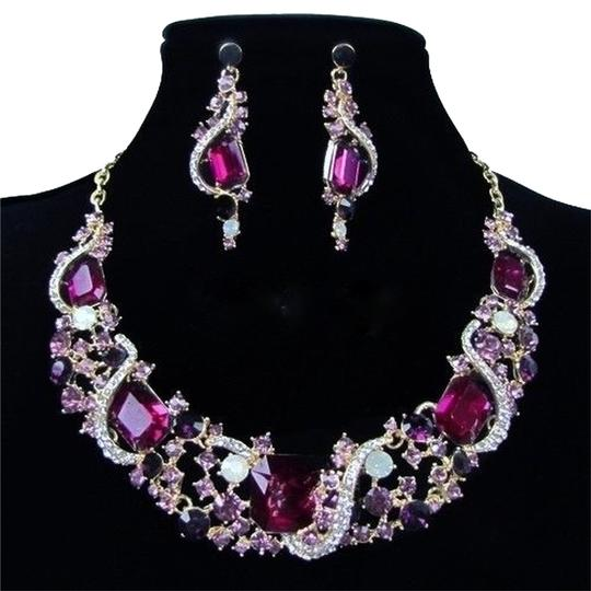 Preload https://item5.tradesy.com/images/multi-color-crystal-elements-and-earrings-set-necklace-6214459-0-0.jpg?width=440&height=440