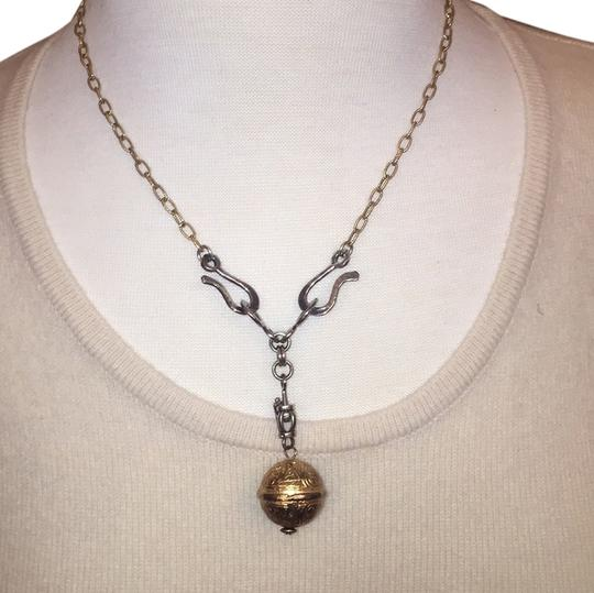 Preload https://img-static.tradesy.com/item/6221815/two-tone-gold-and-silver-necklace-0-0-540-540.jpg